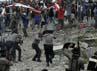Polisi sempat mengeluarkan tembakan peringatan ke udara. Reuters/Muhammad Yamin.