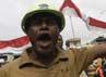 Demonstran meminta bertemu pimpinan Freeport. Reuters/Muhammad Yamin.