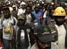 Unjuk rasa ini dilakukan oleh pekerja Freeport dan warga dari 7 suku di Timika, Papua. Reuters/Muhammad Yamin.