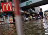 Sejumlah pertokoan di Bangkok terendam banjir. Reuters/Damir Sagolj