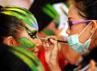 Peserta lomba merias wajah model dalam lomba Beauty Therapy. (Khairuddin Safri).