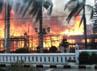 Rumah jabatan Bupati Kotawaringin Barat, Kalimantan Tengah Kamis (29/12/2011) dibakar massa yang diduga pendukung pasangan Sugianto Sabran - Eko Sumarno (SUKSES), salah satu pasangan calon bupati setempat yang didiskualifikasi MK. Jony/Pembaca.