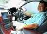 Ki Kusumo mengendarai salah satu mobil mewah miliknya. Rengga Sancaya/detikcom