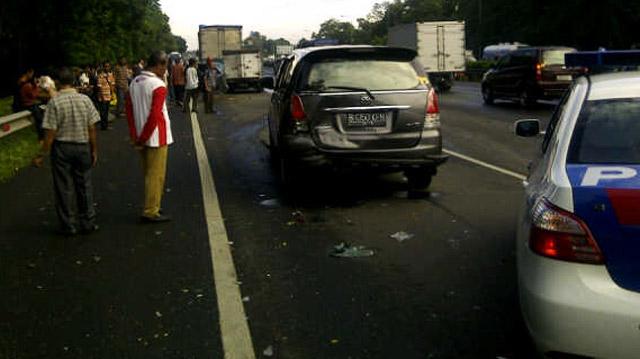 Kecelakaan Beruntun 18 Mobil di Tol Jagorawi