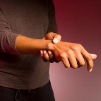 Kenapa Ya Tulang Tangan Sering Nyeri?