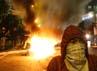 Demonstran juga memblokir jalan Diponegoro dalam aksi menolak kenaikan harga Bahan Bakar Minyak (BBM). ANTARA/M Agung Rajasa.