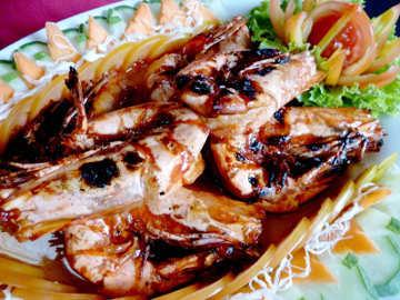 Sup Bibir Ikan di Rumah Djadoel