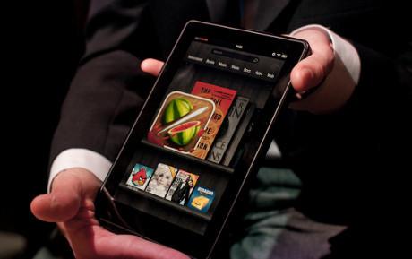 Kindle Fire Jungkalkan Samsung Galaxy Tab