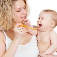 Bagaimana Porsi Makan untuk Bayi 8 Bulan?