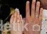 Rani dan Jeffri menunjukkan cincin kawin mereka.(Herianto Batubara/detikcom)