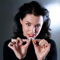 9 Cara Mengatasi Masalah yang Timbul Ketika Wanita Berhenti Merokok