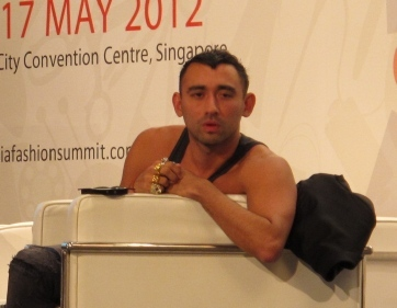 Interview with Nicola Formichetti: Kreator Gaun Daging Lady Gaga