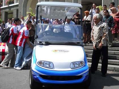 SBY Tes Mobil Listrik Esemar Buatan UGM