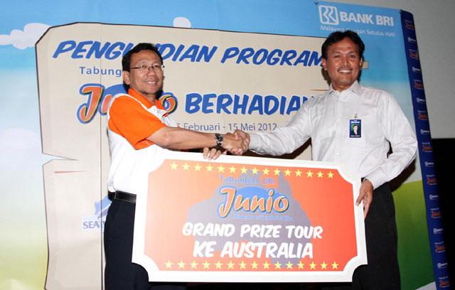 Nasabah BRI Terima Grand Prize