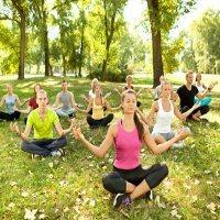 Jauhkan Remaja dari Narkoba dan HIV dengan Ikut Yoga