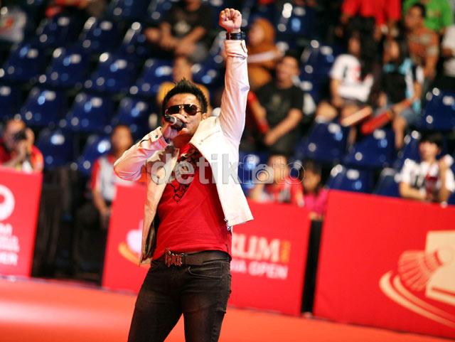 Judika Hibur Penonton Indonesia Open