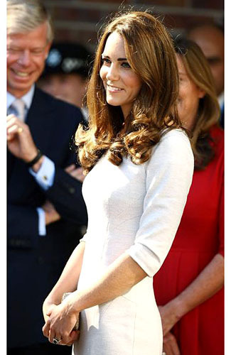 5 Tips Padu Padan Busana Kerja Ala Kate Middleton 1