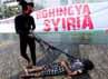 Lembaga sosial Aksi Cepat Tanggap (ACT) melakukan aksi teatrikal di Bundaran Hotel Indonesia, Jakarta. Rencananya relawan ACT akan menuju Rohingnya dan Syria pada 6 Juli mendatang. Ribuan pengungsi Rohingnya dan Syria sedang terllilit kelaparan dan konflik bersenjata.