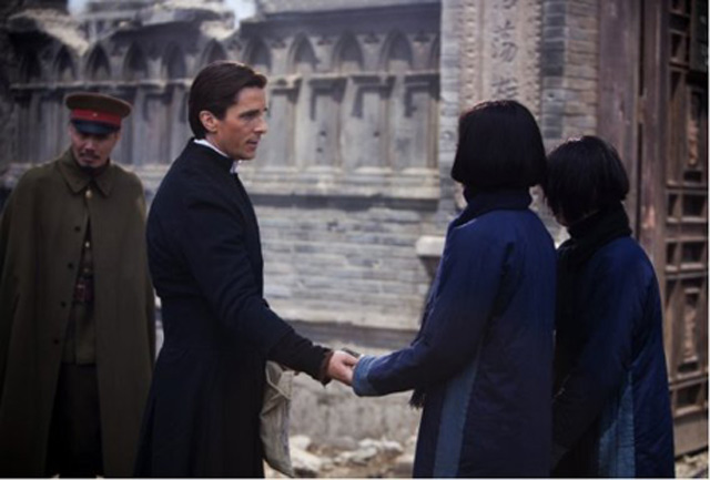 Aksi Christian Bale Bersama Aktor Asia