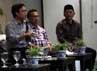Para pembicara menyampaikan pendapatnya dalam diskusi bertemakan Menuju Pemilukada DKI Jakarta Yang Damai dan Demokratis.