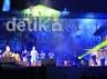Pembukaan KWF di eks Pabrik Gula Colomadu, Karanganyar. Menurut pemrakarsa acara, penggunaan venue bekas industri selain untuk mempertemukan seni dengan lingkungan dan juga untuk mengambil simbol bertemunya seni (musik) industri dengan musik non-industri. Muchus Budi Rahayu/detikcom.