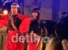 Penyanyi Ully Sigar Rusady tampil berkolaborasi dengan penampil lainnya di malam pertama sajian KWF. Muchus Budi Rahayu/detikcom.