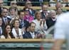 Pangeran William dan Kate Middleton menyaksikan pertandingan perempatfinal antara Andy Murray dengan David Ferrer. REUTERS/Dylan Martinez.