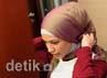 Rachel Maryam mengubah gaya berbusana dengan busana muslim. Rachel mengatakan, perubahan itu merupakan panggilan setelah pulang dari umroh.