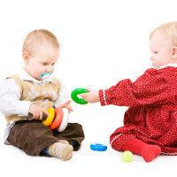 Jenis Permainan untuk Bayi yang Sesuai Usianya