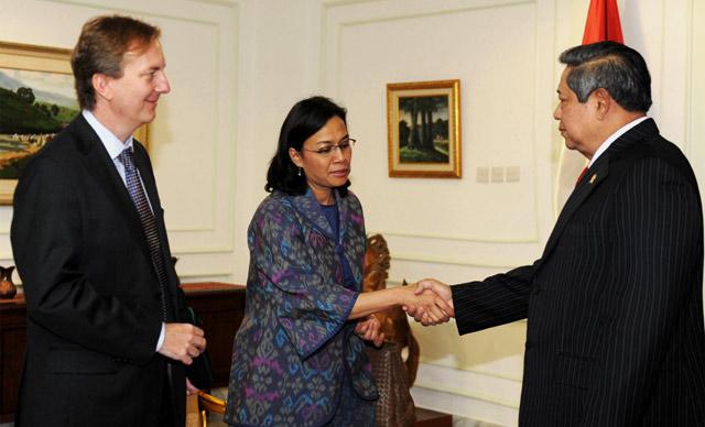 Sri Mulyani Kembali Masuk Istana Negara