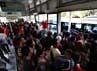 Bus TransJ tujuan Ragunan paling banyak diserbu warga yang ingin menghabiskan liburannya di kebun binatang itu.