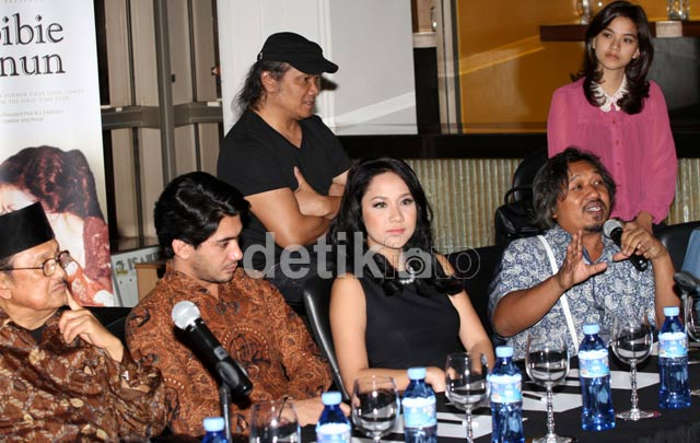 Jumpa Pers Film Habibie & Ainun