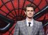 Si Peter Parker dengan jas kotak-kotaknya. Sean Gallup/Getty Images.