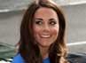 Kate terlihat meninggalkan National Portrait Gallery setelah mengunjungi pameran Road to 2012: Aiming High di London, Inggris. Reuters/Ki Price.
