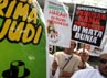 Mereka mengecam kehadiran LSM Greenpeace Indonesia yang dinilai telah didanai judi lotere dari Belanda. (dok Barisan Pemuda Salafunassholeh)