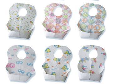 Disposable Baby Bibs, Bikin Bepergian Jadi Praktis