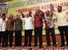 Ical, JK dan sejumlah tokoh Golkar saling bergandengan tangan dalam acara Sarasehan dan Buka Puasa Bersama dengan tema Membangun Kebersamaan Menuju Kemenangan Partai Golkar.