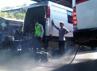 Uji emisi dilakukan di terminal kedatangan bus. (Zainal Effendi/detikSurabaya).