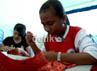 Meski masih SMP namun siswa sudah diajari keterampilan karena umumnya anak-anak TKI selepas SMP jarang yang meneruskan pendidikan. Oleh karenanya pihak sekolah menyiapkan keterampilan agar anak-anak tersebut bisa mandiri usai SMP. (Andi Saputra/detikcom)