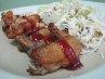 Ada beberapa pilihan ayam di Chicken Phong, namun kami memilih nude wing sticks. Beda dengan yang lain, sayap ayam ini dioven, bukan digoreng. Kulitnya pun polos tanpa tepung maupun bumbu, sehingga perlu disajikan dengan saus berwarna cokelat kemerahan agar nikmat. Dagingnya juicy namun terasa hambar. Ayam ini disertai dengan salad dan kimchi lobak. (Fitria Rahmadianti/Detikfood)