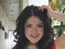 Tina berpose usai tampil di acara Dahsyat di Studio RCTI