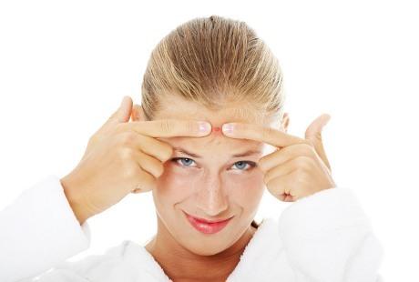 Cara Mudah Cegah Jerawat Jelang Menstruasi