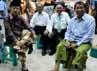 Jusuf Kalla dan Hamid Awaludin yang memakai sarung berkunjung ke pusat perbelanjaan di Nay Pyi Taw, Myanmar. (Dok JK).