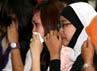 Keluarga Wali Kota Semarang nonaktif tak kuasa menahan air mata saat mendengar vonis yang dibacakan majelis hakim. (Ramses/detikcom).
