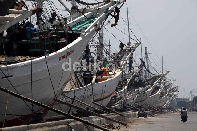 Aktivitas Pelabuhan Sunda Kelapa Masih Sepi