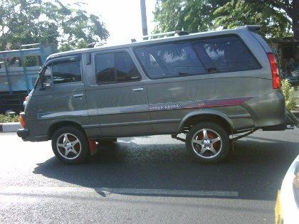 3 Mobil Tumplek Jadi Satu di Mitsubishi Colt T120