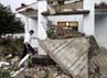 Gempa berkekuatan 7,6 SR mengakibatkan sebuah gereja di Bellavista rusak berat. Atap bangunan tersebut ambruk. Reuters/Zoraida Diaz.