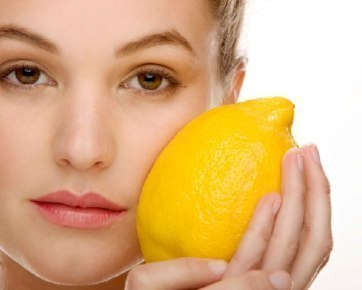 Rahmagati Cara Alami Memutihkan Wajah Menggunakan Lemon