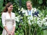 William dan Kate melihat-lihat bunga di Singapore Botanical Gardens. (Willy Anthony Pukarta).