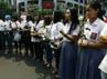 Selain tabur bunga, siswa-siswi SMAN 70 juga berdoa di lokasi tewasnya Alawy. Ramses/detikcom.
